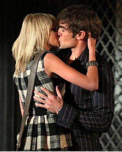 Chace Crawford kiss