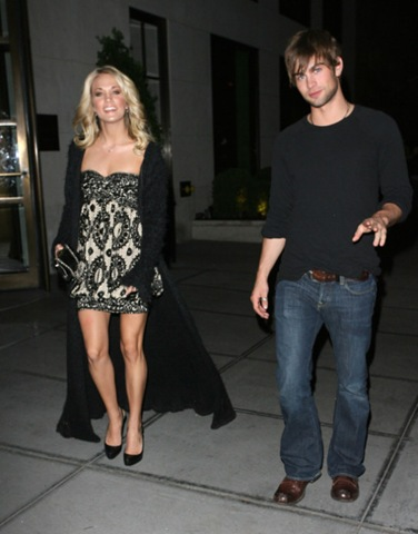 Chace Crawford and his girlfriend